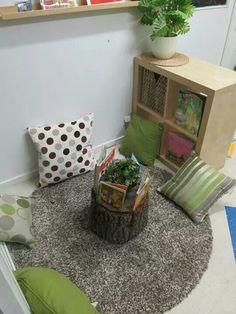 Reading nook - sweet little corner