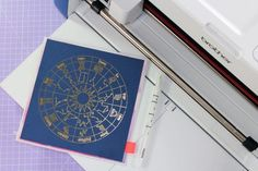 Create a luxe look by adding foil to your cards - we show you four different ways ♉ #horoscope cards are the best kind! ♌ Craft Party, Diy Party, Minc Machine, Best Glue, Transfer Foil, Best Printers, Laser Printer, New Years Eve Party, Pen Holders