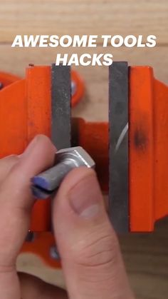 Diy Crafts Life Hacks, Diy Crafts For Home Decor, Handyman Projects, Everyday Hacks, Diy Home Repair, Home Organization Hacks, Homemade Tools, Woodworking Techniques, Useful Life Hacks