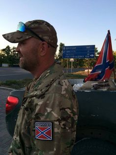 Via Laurent Brayard Premiers insurgés du #Donbass, printemps 2014