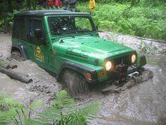 safari_015 by Club Jeep Aventure Québec, via Flickr