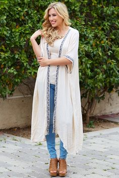 This breezy and beautiful maxi cardigan has the perfect lightweight material and ultra-chic style to give you a cool and comfortable look this warm season.