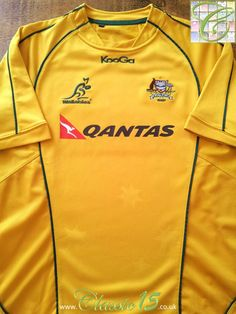 Relive Australia's 2010/2011 international season with this vintage Kooga home rugby shirt.