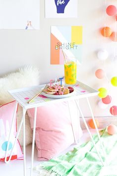 DIY Breakfast Tray, No need to get up again -