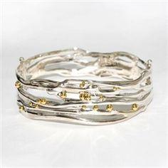Contemporary bangle, perfect for the bride