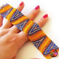 Optical Art Bracelet  Orange and Blue Glass by dicopebisuteria