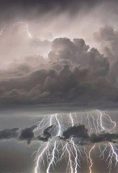 Amazing lightning...