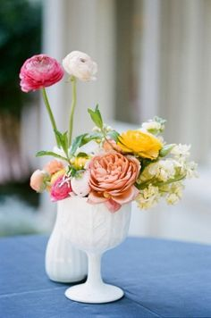 15 Centerpieces For Your Summer Table   Apartment Therapy