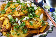 Kitchen Stories: Potato Salad with Aromatic Spices Kitchen Stories, Greek Recipes, Salmon Burgers, Potato Salad, Salads, Spices, Potatoes, Cooking Recipes, Ethnic Recipes