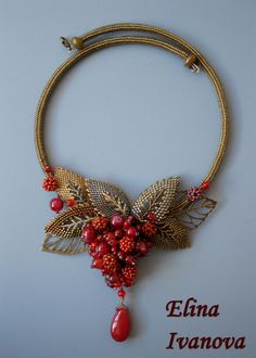 Check out this item in my Etsy shop https://www.etsy.com/ru/listing/501376316/beaded-berry-autumn-necklace-exclusive
