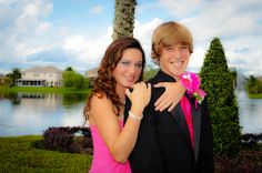 Couple's Pose #Prom #Homecoming #FormalDance