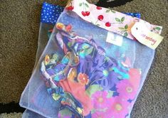 Simple packing: mesh daily clothes bag (tutorial) -a 'greener' take on the zip-lock bag idea