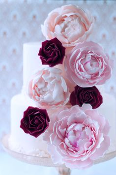 Lulu's Sweet Secrets: Almond Cake, Sugar Peonies and Roses