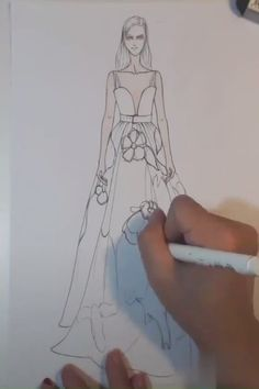 Wanna make fashion design sketches? Wonder how fashion designer sketches are made? Join this free online course that helps you with fashion illustration or fashion sketching and dressmaking. Even if you don't know how to draw fashion sketches. Fashion Drawing Tutorial, Fashion Figure Drawing, Fashion Model Drawing, Fashion Drawing Dresses, Fashion Illustration Dresses, Dress Illustration, Dress Design Drawing, Dress Design Sketches, Fashion Design Sketchbook