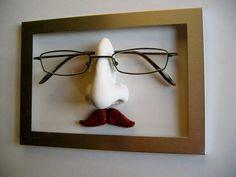Movember mustached wall-mounted sculpted nose - storage display for glasses - gift for man - Movember gift idea Frame Display, Display Design, Eyeglass Lenses, Free Frames, Cool Presents, Great Gifts For Dad, Movember, Eyeglass Holder, Fathers Day Gifts