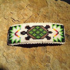 Native American Horsehair Keychain Handbeaded - Nail Effect Loom Bracelet Patterns, Bead Loom Patterns, Beaded Jewelry Patterns, Perler Patterns, Peyote Patterns, Beading Patterns, Indian Beadwork, Native Beadwork, Native American Beadwork
