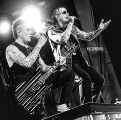 M. Shadows and Synyster Gates live