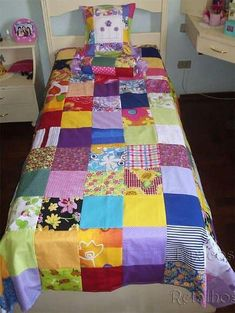 CURSO GRATIS DE COSTURA: APRENDE HACER COLCHAS DE RETASOS PASO A PASO MUY FÁCILES Beginner Quilt Patterns, Quilting For Beginners, Quilting Tutorials, Quilting Projects, Quilting Designs, Patch Quilt, Quilt Blocks, Bed Sheet Sets, Bed Sheets