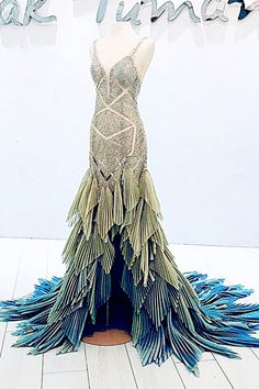 Beautiful Gowns, Beautiful Outfits, Pretty Outfits, Pretty Dresses, Fantasy Gowns, Costume Design, Evening Gowns, Designer Dresses, Marie