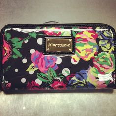 Betsey Johnson wallet with originally price tags still attached! Retail price $58 Plato's Closet price $25! #betseyjohnson #platoscloset #pc #grandforks #shopping