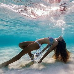 Travel Girl Photography Summer Waves Ideas For 2019 Summer Pictures, Beach Pictures, Underwater Photography, Girl Photography, Travel Photography, Underwater Photoshoot, Underwater Pictures, Summer Photography, Girl In Water