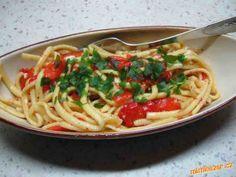 Špécle s pestem z pečených paprik Spaghetti, Ethnic Recipes, Food, Meals, Yemek, Noodle, Eten