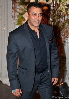 Salman Khan looking dapper in a crisp suit at a wedding reception. via Voompla.com