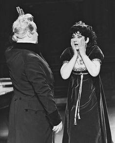 Maria Callas (Tosca) and Tito Gobbi (Scarpia) in the 1965 production of Puccini's Tosca.