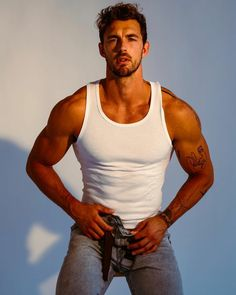 Denim Jeans Men, Sexy Jeans, Fit Men Bodies, Gay Male Models, Christian Hogue, Hot Country Men, Surfer Guys, Bad Boy Style, Hot Hunks