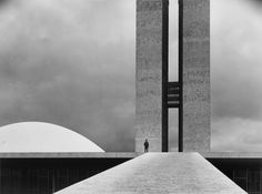 The National Congress Building by Oscar Niemeyer, Brasilia, Brazil by Elliott Erwitt on is a marketplace for collectors, presenting auctions of extraordinary art and objects. Oscar Niemeyer, Architecture Images, Interior Architecture, Chinese Architecture, Futuristic Architecture, Black Architecture, Pavilion Architecture, Historic Architecture, Eliot Erwitt