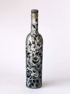 Black and White Roses Hand Painted Bottle by NevenaArtGlass on Wanelo Wine Bottle Vases, Painted Wine Bottles, Diy Bottle, Wine Bottle Crafts, Bottles And Jars, Glass Bottles, Decorated Bottles, Black And White Roses, Bottle Painting
