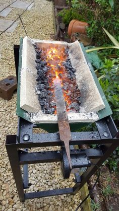 Forge - The Best Welding Projects Examples, Tips & Tricks Forging Knives, Forging Tools, Blacksmithing Knives, Forged Knife, Forging Metal, Metal Projects, Welding Projects, Metal Crafts, Welding Art