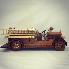 Handmade model fire truck #artist #woodwork #design #truck #firetruck #craftsman #wood #create #innovate #model #woodwork #skilled #craft #artist #art #dedicate #vision de kips_workshop
