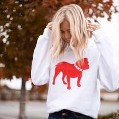 SouthlandSupplyCo shared a new photo on Etsy Georgia Bulldogs, Vintage Fashion, Vintage Style, New Baby Gifts, Cozy, T Shirts For Women, Unisex, Tees, Sweatshirts