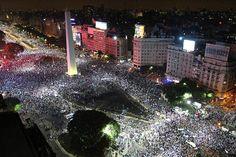 Hubo un reconocimiento para la actuación del equipo argentino, pese a la derrota. Obelisco, Ciudad de Buenos Aires.