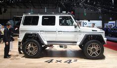 Immagine di http://www.motorionline.com/wp-content/uploads/2015/03/Mercedes-G500-4x4_2-concept-Salone-di-Ginevra-2015_09.jpg.