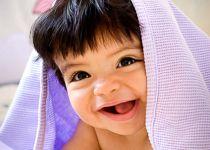 El desarrollo físico del bebé, la dentición, tablas de crecimiento, ¿es normal que aún no esté gateando? y más respuestas.