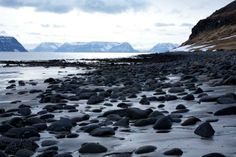 Hesteyri beach, Iceland - @Guided by 'dot the i'