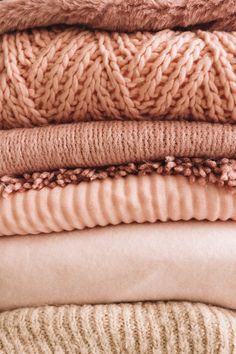 Stack of knitted sweaters Free Photo Autumn Aesthetic, Beige Aesthetic, Mode Instagram, Clothing Photography, Pink Wallpaper, Mode Style, Pulls, Free Photos, Color Inspiration