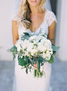 Photography : Kat Braman Read More on SMP: http://www.stylemepretty.com/little-black-book-blog/2015/05/19/elegant-fisher-island-wedding/
