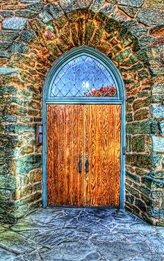 ❥ Old Cannery Door in Port Townsend, WA The stone work surrounding this church door is gorgeous