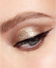 #FirmingEyeCream Eye Makeup Glitter, Stila Glitter And Glow, Rose Gold Makeup, Gold Glitter, Dramatic Eye Makeup, Dramatic Eyes, Makeup For Green Eyes, Makeup Looks Blue Eyes, Make Up Looks