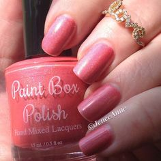 """""""Another custom polish from @paintboxpolish. This is a beautiful peachy coral holo in JeneeAnne's Fav 2. #paa #polish #polishaa #paintboxpolish #polishswappingdivas #manicure #coralnailpolish #holographic #holonailpolish #nails #nailporn #nailaddict #nailpolish #nailswatch #nailblogger #nailstagram #neutralnail #nailinstagram #nailpolishaddict #nailsofinstagram #indie #indies #instanail #indielover #indiewatch #indiepolish #indiesdoitbest #indienailpolish #peachnailpolish"""" Photo taken by…"""