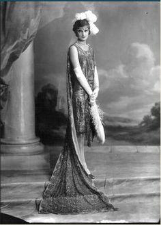 Miss Kathleen Vestey - robe de grande cérémonie  La mode des années folles
