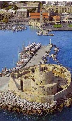 Fort of Rhodes Island, Greece Patras, Places To Travel, Travel Destinations, Places To Visit, Santorini, Mykonos Greece, Crete Greece, Athens Greece, Greece Rhodes