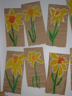 Daffodil Art Project for Kids Kindergarten Art Projects, Classroom Art Projects, School Art Projects, Art Classroom, Spring Art Projects, Spring Crafts, Art For Kids, Crafts For Kids, Arts And Crafts