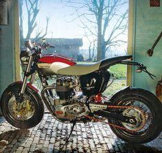 """Triumph Bonneville """"Hommage"""" T 140"""" by Totti Motori"""