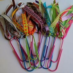 Easy, cute - make reading more fun - DIY bookmarks. a Paperclip & pretty ribbon.