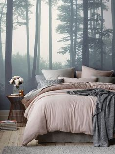 Blush pink and grey bedroom decor (gorgeous mural) #pantone #rosequartz #2016