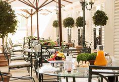 ¿Qué tal un rico desayuno antes de irte de compras por los Campos Elíseos en París? Paris Marriott Hotel Champs-Élysées